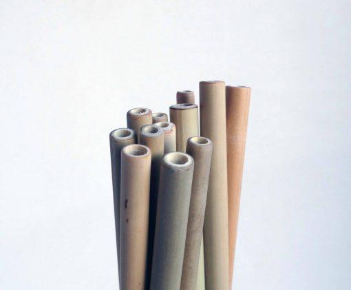 Plusieurs pailles en bambou