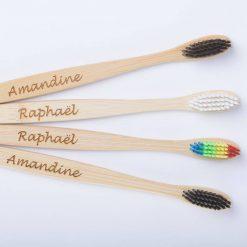 4 brosses à dents en bambou vue coté