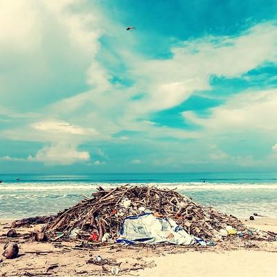 dechets plastique plage carré